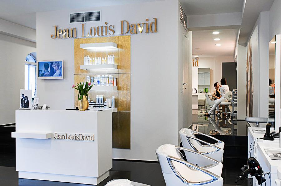 Оформление салона красоты Jean Louis David