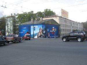 брандмауэр, баннер, рекламный баннер, баннер на фасаде здания, баннер мартини