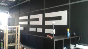 Интерьерная объемная вывеска в студии FRP