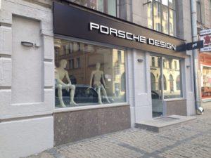 фасадная вывеска для магазина Porsche