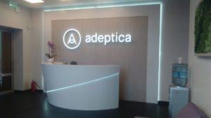 """объемные буквы и логотип в интерьере стоматологии """"Адептика"""""""