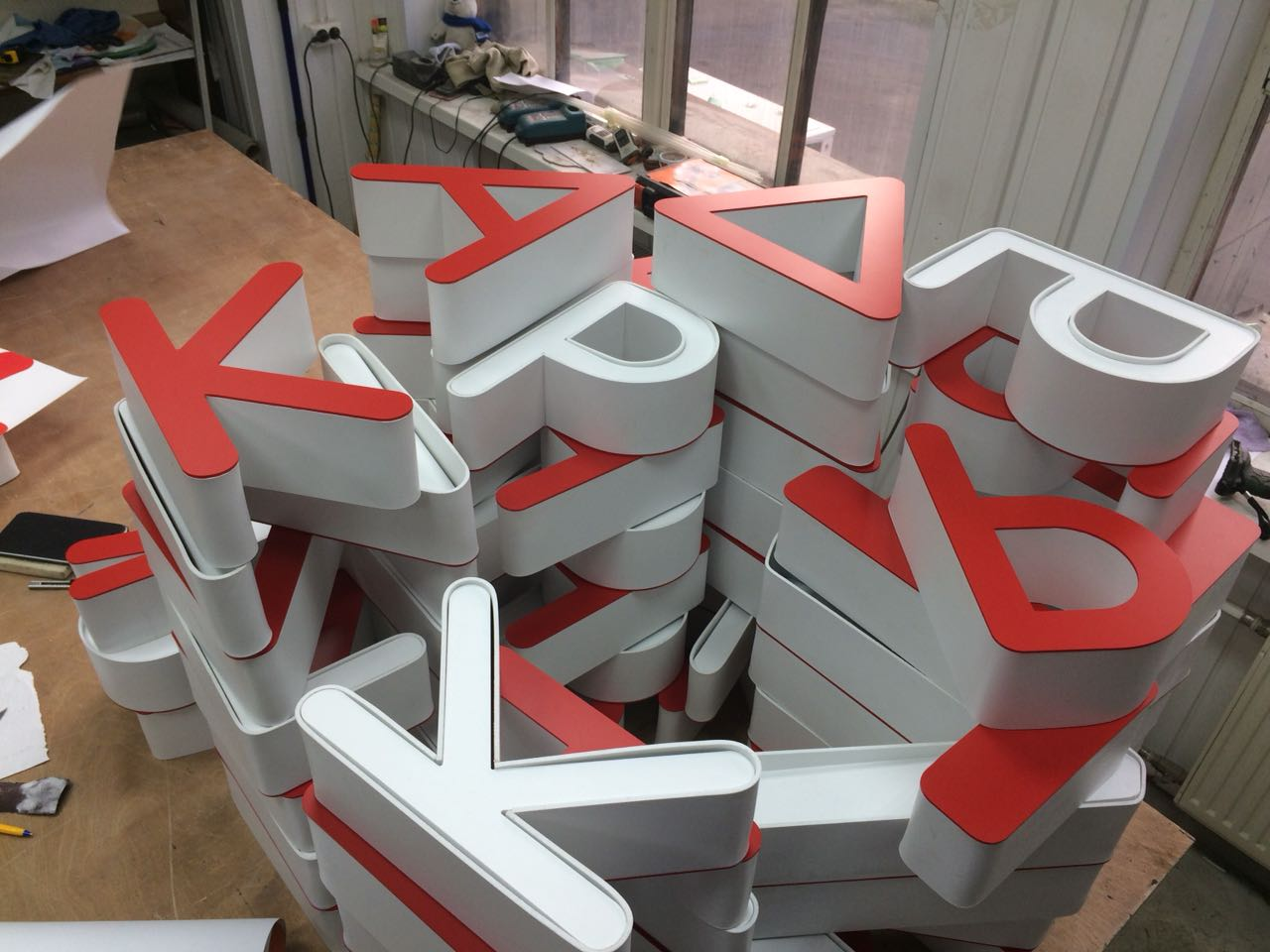 объемные буквы для фасадной вывески 'Гриль#Factory'
