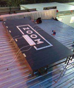 Модульный зимний офис продаж ЖК ZOOM Apart (Зум Апарт) вывеска